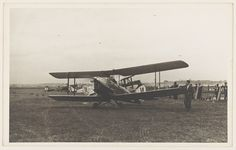 Freda Thompson's de Havilland DH.60G-III Moth Major, VH-UUC, taxiing on an airfield during the South Australian Centenary Air Race, 1936 | Flickr - Photo Sharing!