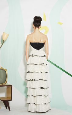 AURORA STRAPLESS LONG RUFFLE TIERED GOWN | Alice + Olivia |