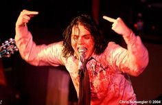 geez gee, don't choke on that mic << hes practicing for Frank later