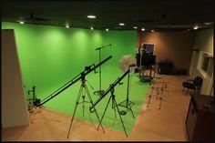 Greenscreen inside Ambient Skies Productions studio. Lighting Setups, Studio Lighting, Studio Setup, Studio Design, Lighting Diagram, Studio Build, Sound Stage, Sound Studio, Screen Design