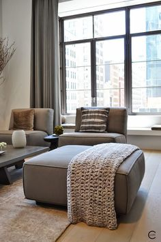 """Huys Piet Boon New York City """" A Dutch Light Shines over Manhattan"""" Scroll naar beneden voor NL Huys by Piet Boon Home Living Room, Interior, Home, Home Remodeling, Living Room Decor, House Interior, Home Deco, Interior Design, Home And Living"""