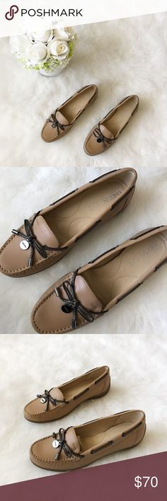 Geox Hespira Tan Leather Loafers💕 Geox Tan Leather Loafers💕 Condition: NWOT Size: 7 Trendy Sumer loafers! They are Leather & perfect to pair with skinny jeans, leggings or long tunics.Originally purchased at saks fifth avenue for $170 + tax. I'm selling these for my sister who is cleaning out her wardrobe.No stains and no scuffs.These do not come with box or dust bags. Get these while you can 😊  In Bin: F1  **All items from my closet come from a SMOKE FREE home** Geox Shoes Flats…