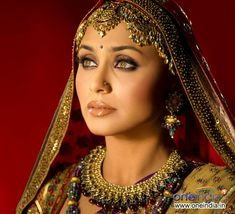 Google Image Result for http://images5.fanpop.com/image/photos/27100000/rani-rani-mukherjee-27114292-640-583.jpg