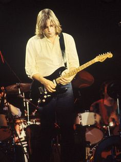 """David Gilmour with """"The Black Strat"""" - Pink Floyd, """"The Wall"""", Live at the Nassau Coliseum, 1980 David Gilmour Guitar, David Gilmour Pink Floyd, Pink Floyd Concert, Pink Floyd Live, Nassau Coliseum, Mick Ronson, Stevie Ray Vaughan, Rock Groups, Progressive Rock"""