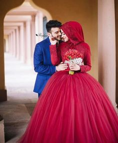 Hijabi Wedding, Muslimah Wedding Dress, Muslim Wedding Dresses, Muslim Brides, Wedding Couple Photos, Wedding Couples, Wedding Bride, Muslim Couple Photography, Indian Wedding Photography Poses