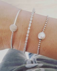Pandora Essence. Timeless Elegance Bangle. Essence Pearl.