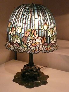P1160899 | Tiffany Water Lily table lamp. | Andy961 | Flickr #antiquelamps