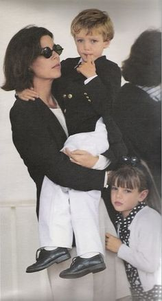 1992 - Pierre & Charlotte Casiraghi with Princess Caroline at the Monaco Grand Prix Andrea Casiraghi, Charlotte Casiraghi, Beatrice Borromeo, Princess Alexandra, Princess Charlotte, Albert Von Monaco, Grace Kelly Style, Ernst August, Monaco Grand Prix