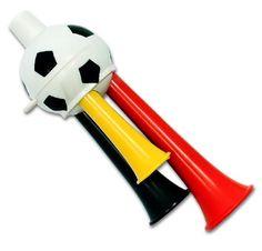 """Tolle Fanartikel zur Fußball-WM 2014, wie """"48 x Fußballtröte 3 fach Fanfare Deutschland Fanartikel Tröte 12cmx4cm WM EM"""" jetzt hier kaufen: http://fussball-fanartikel.einfach-kaufen.net/fan-hoerner-megaphone/48-x-fussballtroete-3-fach-fanfare-deutschland-fanartikel-troete-12cmx4cm-wm-em/"""