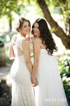 Trendy Wedding Photography Poses Maid Of Honor Sisters Ideas Wedding Picture Poses, Wedding Poses, Wedding Dresses, Wedding Pictures, Wedding Ideas, Wedding Story, Budget Wedding, Lgbt Wedding, Trendy Wedding