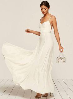 19 Simple, Elegant Wedding Dresses For The Non-Traditional Bride Wedding Dresses Under 500, Unusual Wedding Dresses, Simple Elegant Wedding Dress, How To Dress For A Wedding, Cheap Wedding Dress, Simple Weddings, Elegant Dresses, Bridal Gowns, Wedding Gowns