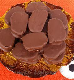 μικρή κουζίνα: Καριόκες Greek Sweets, Greek Desserts, Greek Recipes, Cookbook Recipes, Sweets Recipes, Cooking Recipes, Creative Food, Cake Cookies, Food To Make