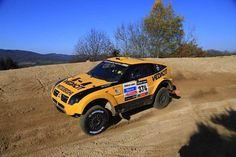 Com o Mitsubishi Pajero MPR, vencedor da prova em 2007, Marcos Baumgart e Kleber Cincea partem para sua estreia no Dakar