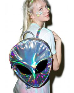 alien backpack for grunge style. Love you aliensss Holographic Fashion, Holographic Bag, Mini Mochila, Backpack Bags, Leather Backpack, Fashion Backpack, Rucksack Bag, Space Grunge, Cute Backpacks