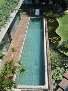 Having a pool sounds awesome especially if you are working with the best backyard pool landscaping ideas there is. How you design a proper backyard with a pool matters. Small Backyard Pools, Backyard Pool Designs, Swimming Pools Backyard, Ponds Backyard, Swimming Pool Designs, Pool Landscaping, Outdoor Pool, Lap Pools, Small Pools