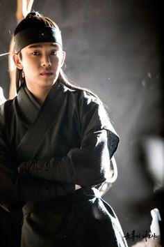 Six Flying Dragons(육룡이 나르샤) 2015: Starring Yoo Ah In and Shin Se Kyung Though…