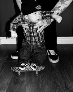 Baby Skateboarder...Tom would love this!