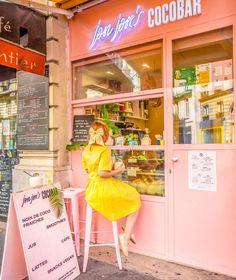 A little bit of a tropical paradise in Paris with wearing my satin hair bow . Daisy Headband, Wire Headband, Lace Headbands, Knitted Headband, Latte, Smoothies, Chain Headpiece, Butterfly Hair, Handmade Hair Accessories