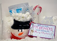 Cute friend gift idea for Christmas. Some friends are worth melting for. Frozen Olaf and Sven.