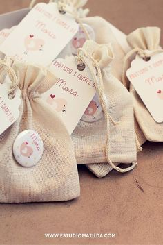 manualidades para bautizo de niña dulceros Baby Shawer, Baby Party, First Communion, Gift Bags, Christening, Party Favors, Baby Gifts, Reusable Tote Bags, Gift Wrapping