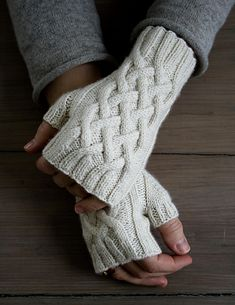 Ravelry: Traveling Cable Hand Warmers pattern by Purl Soho