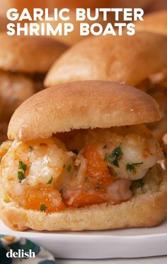 Bocadillos de gamba We Want To Sail Away On These Garlic Butter Shrimp Boats Delish Fish Recipes, Seafood Recipes, Gourmet Recipes, Cooking Recipes, Seafood Pasta, Yummy Recipes, Recipies, Seafood Meals, Seafood Platter