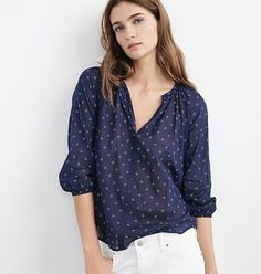 cocaranti I The @velvettees berlina blouse in twinkle print is a gorgeous light weight top which is the perfect summer wardrobe addition as its easy to throw in your suitcase and not take up too much valuable space. Easy to wear with sandals in the day or heels in the evening Available in store and online @cocaranti #cheshire #shoplocal #shoppingaddict #shopaholic #wishlist #celebritystyle #style #fashion #designer #love #lovewantneed #fashionblog #fashionblogger #blogger #boutique