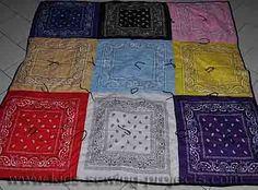 Sewing a bandana quilt makes for an easy picnic blanket when using handkerchiefs. Bandana Quilt, Sewing Projects For Kids, Sewing Crafts, Sewing Ideas, Craft Projects, Picnic Quilt, Picnic Blanket, Bandana Crafts, Bandana Ideas
