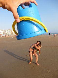 Jugando en la playa Facebook/QueBuenaLaFoto