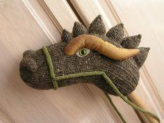 Stecken-Drache, aus einer Socke geformt