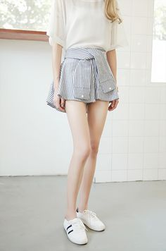 okaywowcool:  faux button up culottes| discount: shan  follow my original blog for more fresh content!