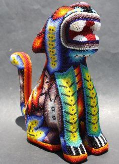 Серия сообщений: Традиционное творчество индейцев Уичоли South American Art, Mandala Rocks, Beaded Skull, Beaded Bags, Mexican Art, Beading Ideas, Indian Art, Bead Art, Amazing Art