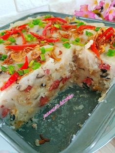 Steamed Radish Cake recipe : Ingredients: 400gm Radish (shred n squeeze out the water) 300gm Rice flour 800 ml wate...