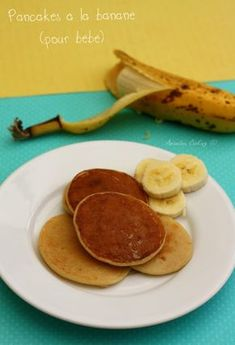 Pancakes à la banane (sans oeuf) - Amandine Cooking Here is a new recipe that baby will undoubtedly love (if he likes bananas, of course). It is a recipe that can be proposed as soon as he eats Baby Food Recipes, New Recipes, Cooking Recipes, Pancake Recipes, Simple Recipes, Dinner Recipes, Banana Pancakes Without Eggs, Mini Pancakes, Cooking Eggplant