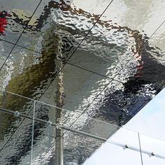 France, Lieusaint, Carré Sénart, Covered Pedestrian Crossing, Architect Jean-Paul Viguier, Steel Work SMB, Panels EXYD-M . . . #carresenart #viguier_architecture #exyd Architecture Details, Interior Architecture, Interior Ceiling Design, Cladding Design, Ceiling Detail, Artistic Installation, Steel Water, Lighting Design, Interior Inspiration