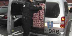 """Strażnicy Miejscy w Ustce aktywnie uczestniczyli w tym roku w akcji """"Szlachetna Paczka"""". Samochodem rozwozili prezenty przygotowane przez wolontariuszy. #ustka24info"""