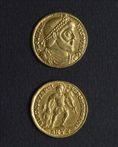 The numismatics rooms of the Carnavalet museum hold about 50,000 pieces of extraordinary variety, illustrating the history of Paris and France.  Sou d'or de Julien II l'Apostat (331/332-363), empereur romain (360-363).  Anonyme. Copyright © © Musée Carnavalet / Roger-Viollet