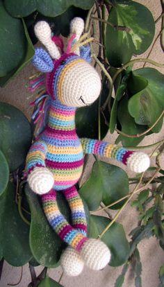 Crochet Stripey Giraffe Amigurumi animal toy  free pattern at greatamigurumi.blogspot.com - I added the mane. Zoo Animals, Animals For Kids, Cute Baby Animals, Animal Babies, Crochet Toys, Knit Crochet, Giraffe Toy, Knitting For Beginners, Softies