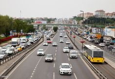 Stock Photo : Heavy Evening Traffic