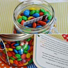 F gift for E - itunes gift card in a jar of candy? M&M Jar 24 Cute And Clever Ways To Give A Gift Card Diy Christmas Gifts, Holiday Fun, Christmas Time, Christmas Gifts For Cousins, Handmade Christmas, Santa Gifts, Christmas Wrapping, Christmas Ideas, Creative Gifts