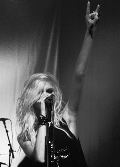 Taylor Momsen- the pretty reckless