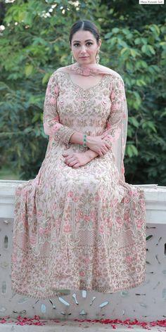 Designer Party Wear Dresses, Indian Designer Outfits, New Punjabi Suit, Anarkali Frock, Punjabi Suit Boutique, Indian Bridal Hairstyles, Bridal Dresses, Party Dresses, Classy Dress