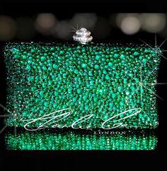 Uber glam clutch! #emeraldgreen #clutch #accessories #handbags #bling