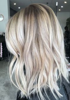 71 most popular ideas for blonde ombre hair color - Hairstyles Trends Hair Color Highlights, Balayage Highlights, Ombre Hair Color, Blonde Color, Balayage Hair, Hair Colour, Cool Blonde Balayage, Short Balayage, Blonde Highlights Short Hair