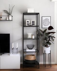 51 brilliant solution small apartment living room decor ideas and remodel 51 . 51 brilliant solution small apartment living room decor ideas and remodel 51 . - 51 brilliant solution small apartment living room decor ideas and remodel 51 - H - - Black And White Living Room Decor, Elegant Living Room, Modern Living, Cozy Living, Minimalist Living, Bedroom Black, Black Room Decor, White Decor, Black And White Office