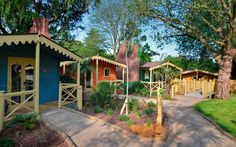 Read the Gir Lion Lodge, London Zoo hotel review on Telegraph Travel. See great photos, full ratings, facilities, expert advice and book the best hotel deals.