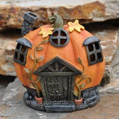 Miniature Gardening - Moonlit Pumpkin House with LED Lights ., Miniature Gardening - Moonlit Pumpkin House with LED Lights . Miniature Gardening - Moonlit Pumpkin House with LED Lights Pumpkin Fairy House, Clay Fairy House, Fairy Garden Houses, Halloween Clay, Halloween Fairy, Halloween Projects, Halloween Diorama, Porch Light Covers, Clay Fairies