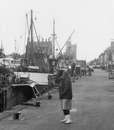 Lowestoft Trawl Dock in Ann Hubbard, a packer from the nearby Rossfish factory, takes a break along the quayside. Uk History, Local History, Yesterday And Today, Places Of Interest, Holiday Destinations, Great Britain, Sailing Ships, Ann, How To Memorize Things