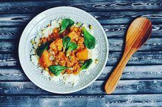 Heerlijke curry met butternut, lamsgehakt en geroosterde pistachenoten