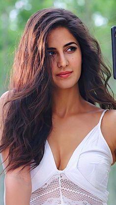 New Fashion: Beautiful Girls Indian Actress Hot Pics, Bollywood Actress Hot Photos, Indian Bollywood Actress, Beautiful Bollywood Actress, Most Beautiful Indian Actress, Beautiful Actresses, Bollywood Celebrities, Katrina Kaif Hot Pics, Katrina Kaif Images
